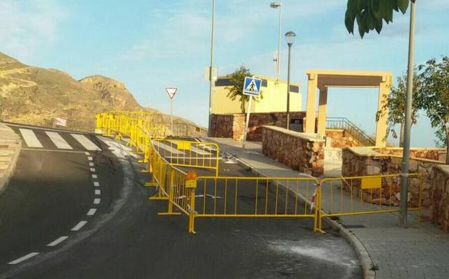 El Ayuntamiento pide responsabilidades a la empresa que hizo el mirador de Las Colinas