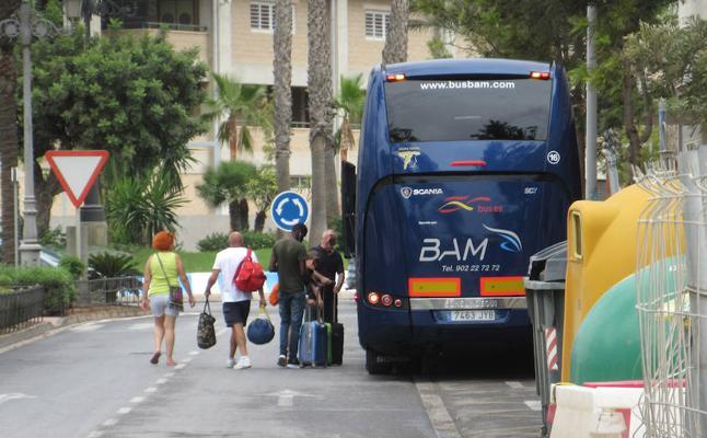 El apeadero de autobuses abre por fin sus puertas este lunes tras año y medio cerrado