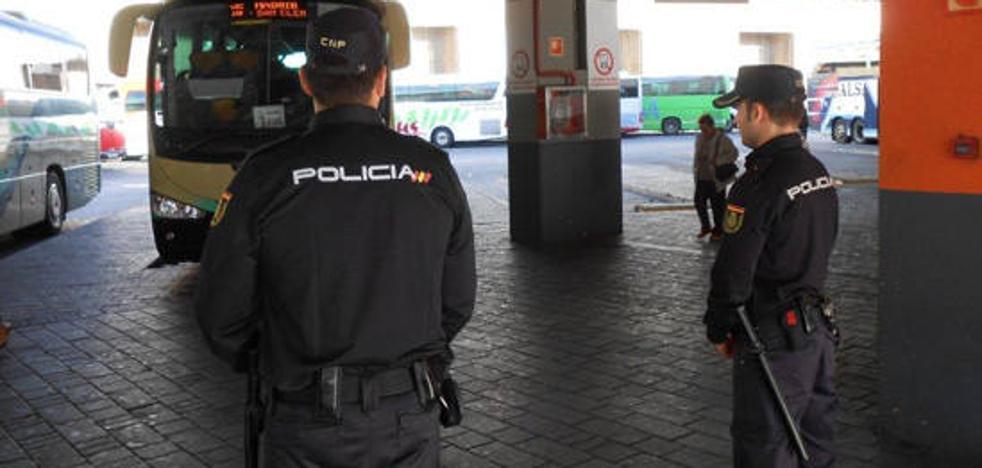 PSOE, IU y Tú Decides culpan a Amat de la carencia de comisaría y la llevarán al pleno