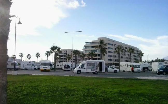 Ultimátum vecinal al Ayuntamiento para que resuelva el problema de las autocaravanas