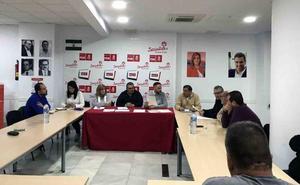 El PSOE organizó un encuentro con el delegado de Economía e Innovación