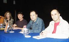 Martínez Clares presentó su libro de poesías 'Doctorado en vientos'