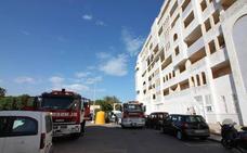 Dos fallecidos al inhalar monóxido de carbono en un escape de gas en la Urbanización de Roquetas