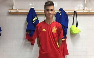 El roquetero Álex Baena fue uno de los jugadores más destacados de la selección en el Europeo sub 17