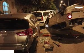 Aparatoso accidente en el cruce entre las calles Santa Fe y Dallas de Aguadulce