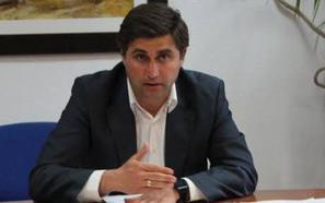 El concejal de Empleo asegura que no se ha contratado a ninguna persona «ligada al partido del equipo de Gobierno»
