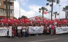 Cientos de personas piden una solución para las prestaciones del manipulado
