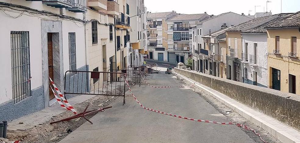 Renovación del acerado y reordenación del estacionamiento en la calle Carnicerito de Úbeda