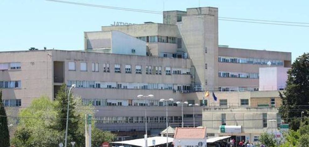 Continúan las obras de mejora en las dependencias del hospital de Úbeda previstas para este verano