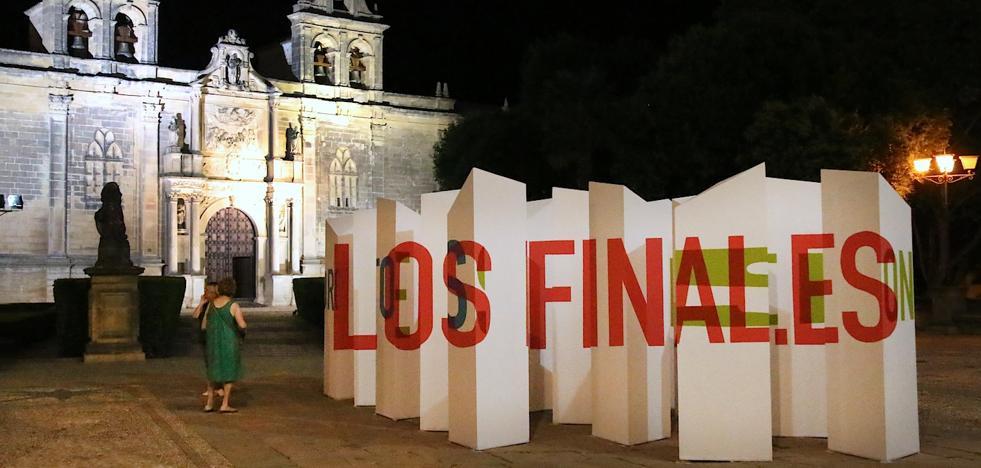 'Laberintos líricos' en la monumental plaza Vázquez de Molina