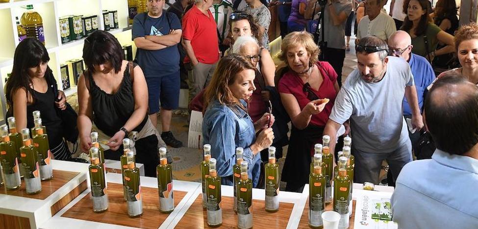 El Centro del Olivar comienza a presentar sus aceites de extracción temprana