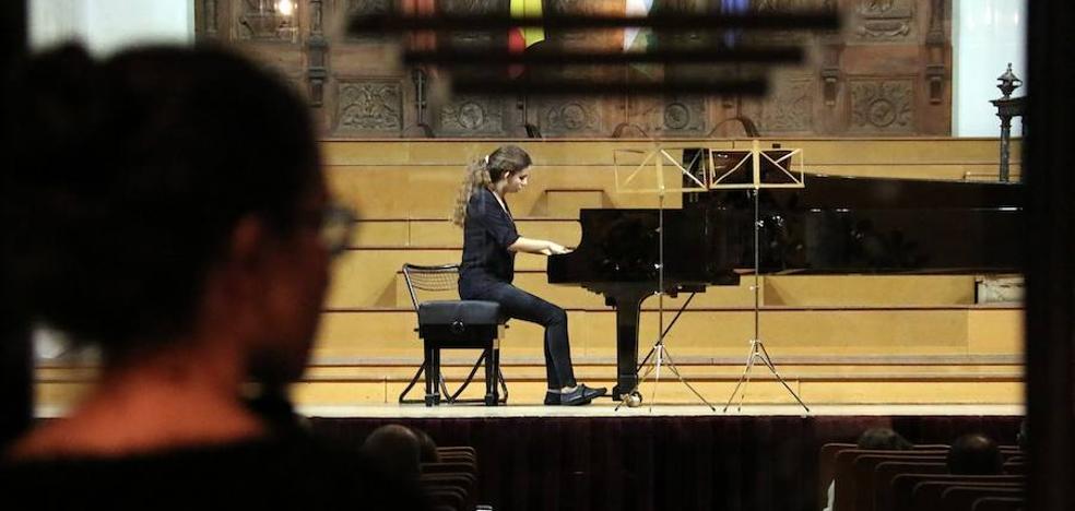 Jóvenes talentos de la música muestran su virtuosismo en el Hospital de Santiago