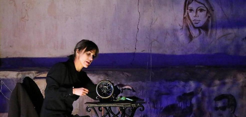 Emocionante representación de 'La voz dormida' dentro de la Muestra de Teatro de Otoño