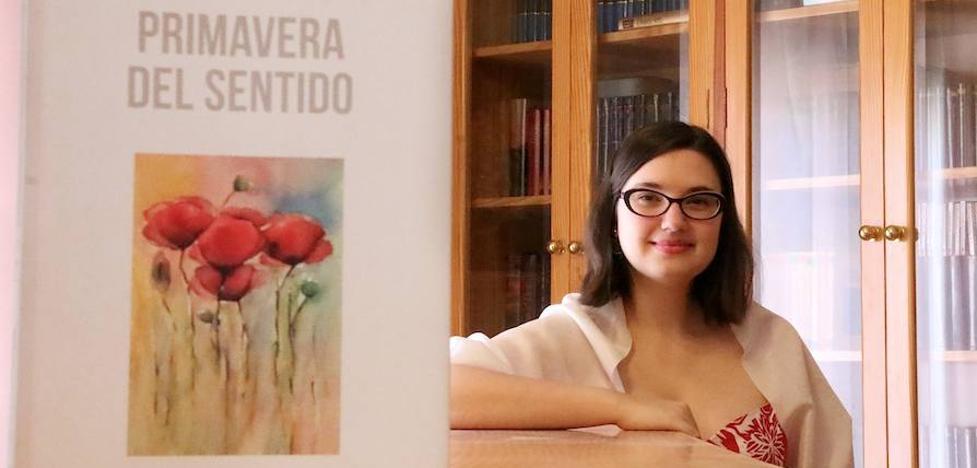 'Primavera del sentido', primer poemario de la ubetense Mónica Sánchez