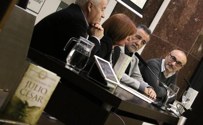 Jesús Maeso de la Torre presentó su última novela 'Las lágrimas de Julio César'
