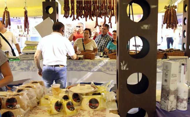 Algunos de los mejores productos de la provincia llegan al Mercado de Abastos de Úbeda