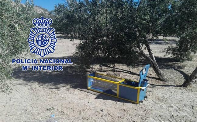 La Policía Nacional detiene en Úbeda a una persona por sustraer máquinas de bolas en los bares