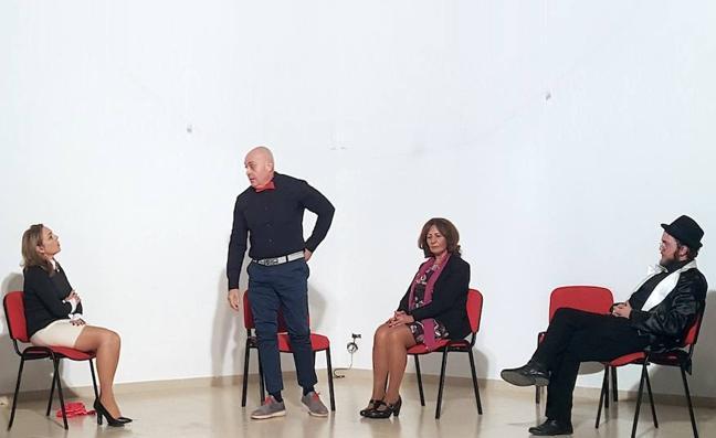 La compañía Por esos Cerros representará hoy la obra 'The best moments Burlan Caster'