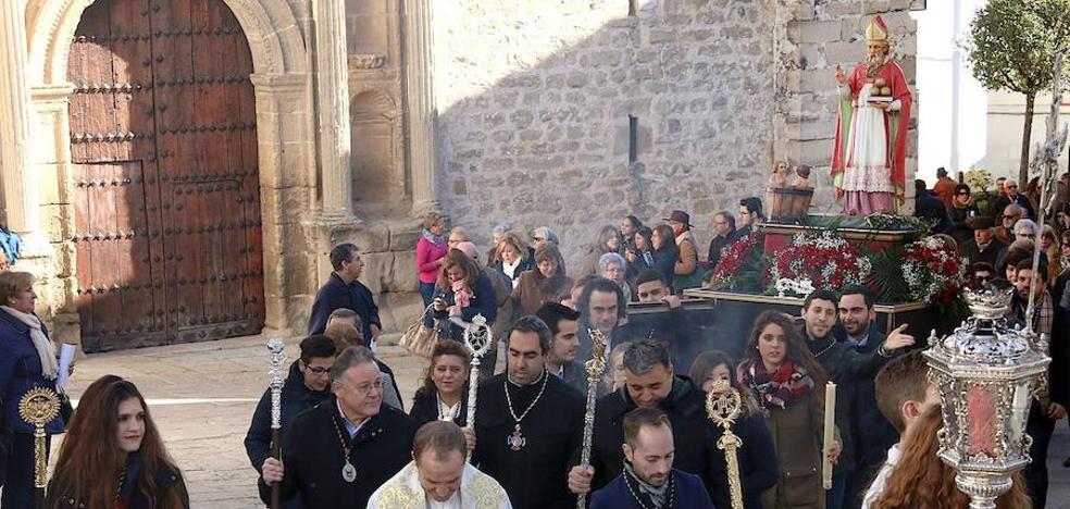 Procesión de San Nicolás de Bari por las calles de su barrio