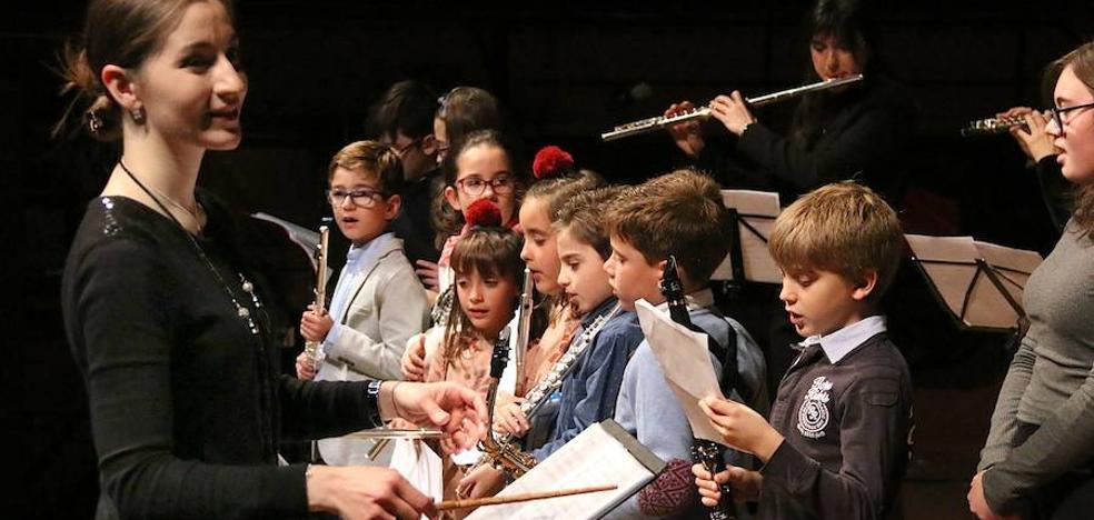 La Escuela Municipal de Música ofreció su tradicional concierto navideño