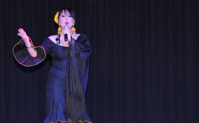 Concierto tributo a Isabel Pantoja protagonizado por Ana María de Dios, esta tarde en Úbeda