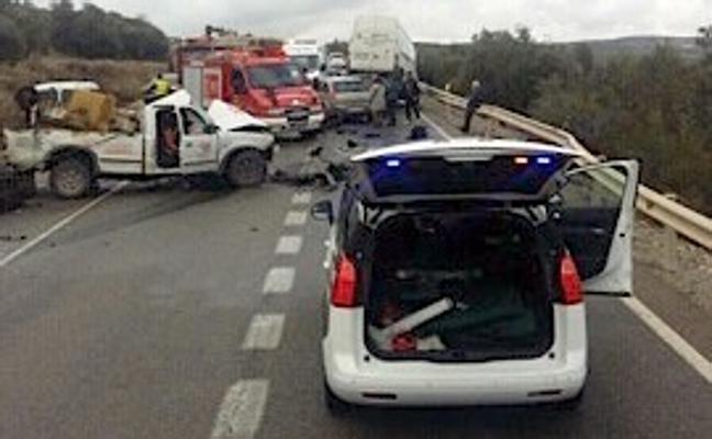Una colisión múltiple en Úbeda se salda con ocho personas heridas