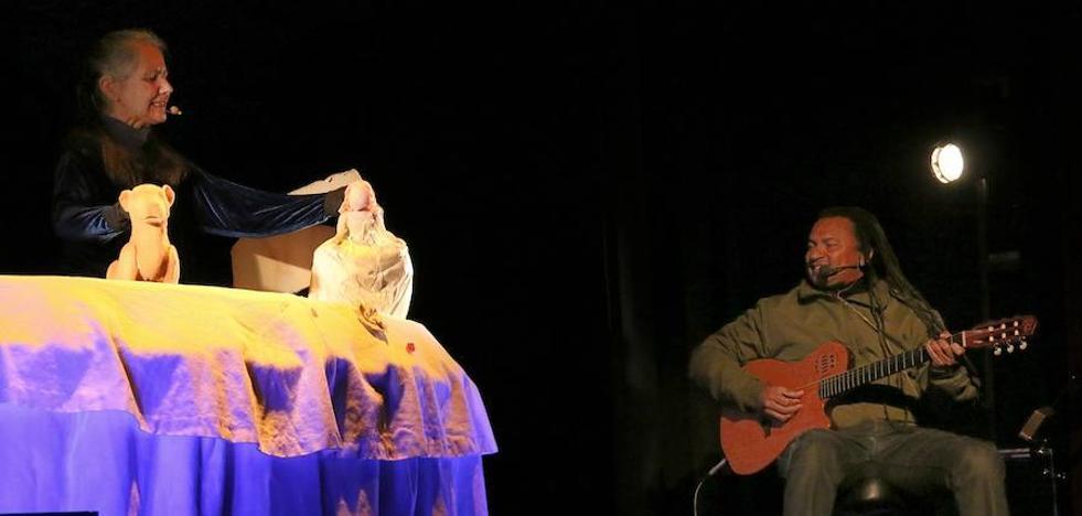 Arrancó el Festival de Títeres 'Ciudad de Úbeda' con arte, marionetas y música en directo