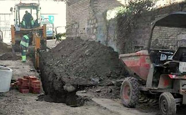 Renovación del pavimento y de las redes de saneamiento y abastecimiento en la calle Capilla