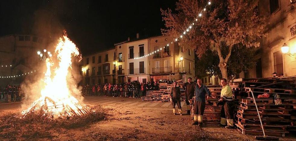 Hogueras en Úbeda y sus pedanías para mitigar el frío en la víspera de San Antón
