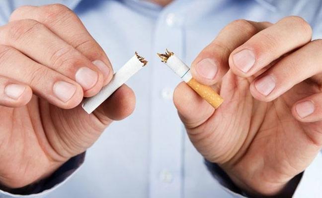 El hospital colabora con dos asociaciones de Úbeda para combatir el tabaquismo