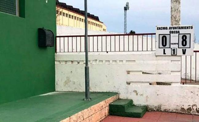 Instalados dos desfibriladores en las instalaciones deportivas municipales