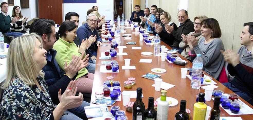 Amplia participación en la primera cata de aceite de las Jornadas Gastronómicas en el Renacimiento