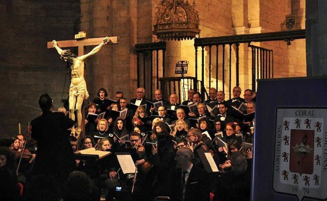 La Agrupación Coral Ubetense ofreció el 'Requiem' de Mozart en Toro