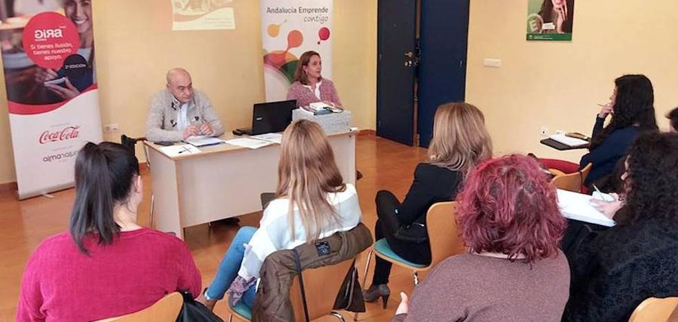 La iniciativa 'Gira Mujeres' sobre emprendimiento pasó por el CADE de Úbeda