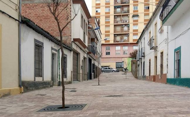 Nuevo aspecto de la calle Capilla tras unas obras de renovación