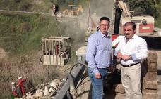 Obras de emergencia en el viaducto que une el Puente de la Cerrada y la pedanía de San Miguel