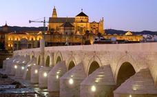 La Concejalía de Mayores prepara un viaje a Córdoba para visitar los patios, el puente romano y la judería