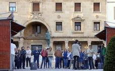 Los libros inundan la céntrica plaza de Andalucía