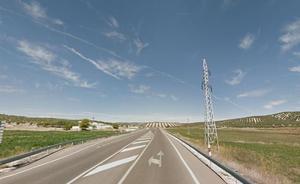 Cinco heridos en una colisión entre dos turismos en la A-401 entre Jódar y Úbeda