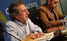 Ezequiel Martínez presentó su poemario en el centro Olivar y Aceite
