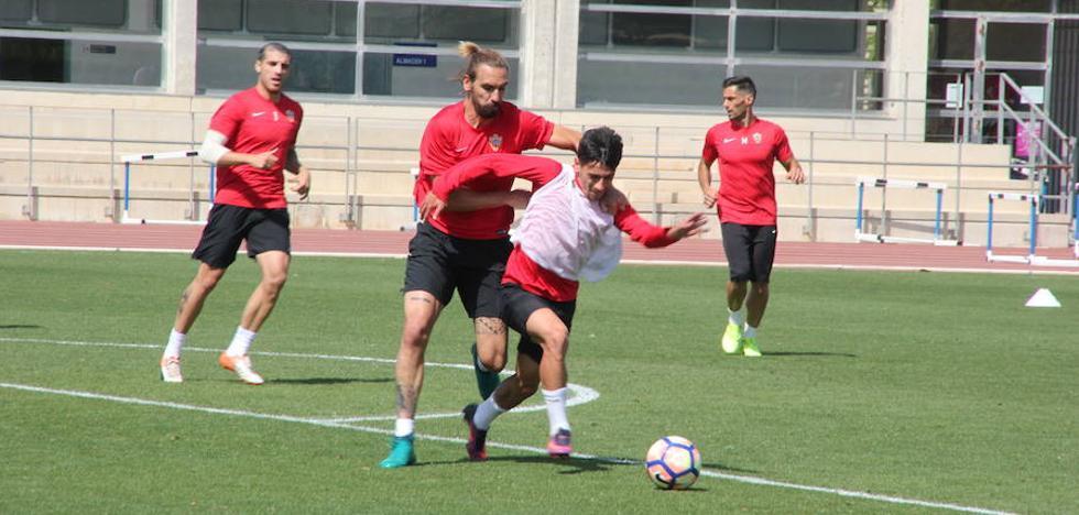 ¿Sabes con qué jugadores empezará a trabajar el Almería?