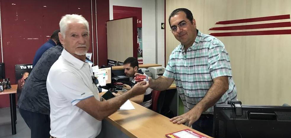 La UD Almería vende abonos,los aficionados compran ilusión