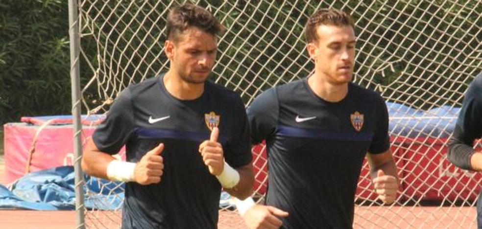 René y Fernando siguen acumulando méritos para ser el portero titular