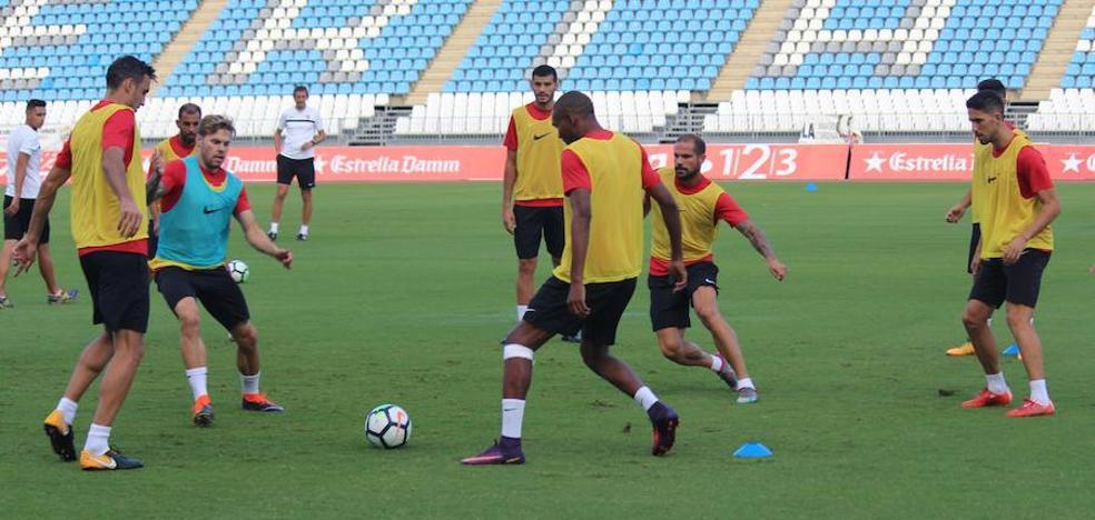 La UD Almería prepara el partido frente al Valladolid con lo puesto
