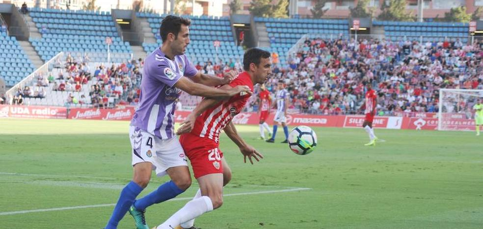 El Almería empata con el Valladolid, pese a ser mejor