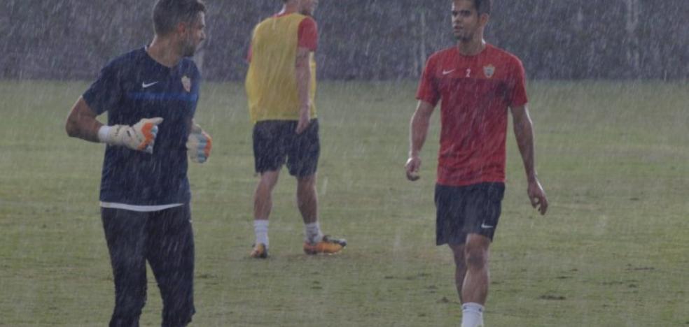 Luis Miguel Ramis entrena en cuadro, a la espera de contar con los 'dudosos'