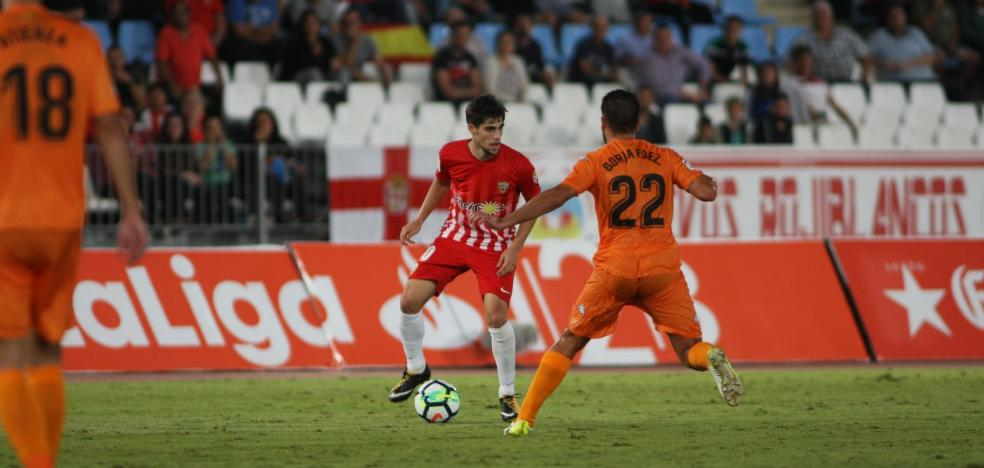 En la prensa se narra que el Reus fue efectivo ante un Almería sin ideas