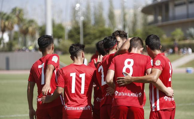 El Almería B, que ya 'acaricia' el liderato, el menos goleado y mejor visitante del Grupo IX