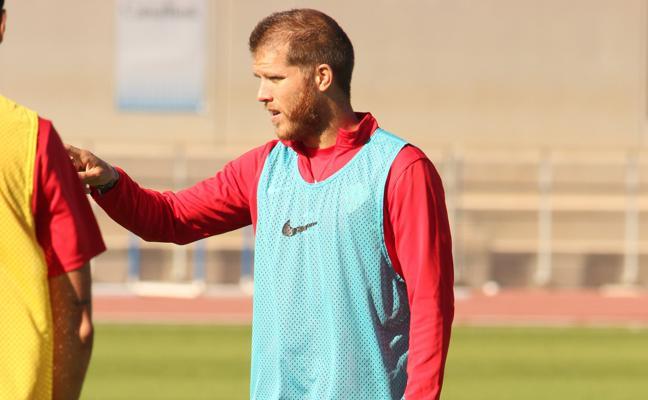 Morcillo: «En el Almería se ha demostrado que echar al entrenador no soluciona nada»