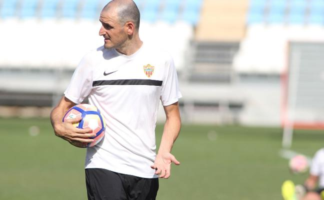 Soriano deja Almería, de momento, para irse a Arabia